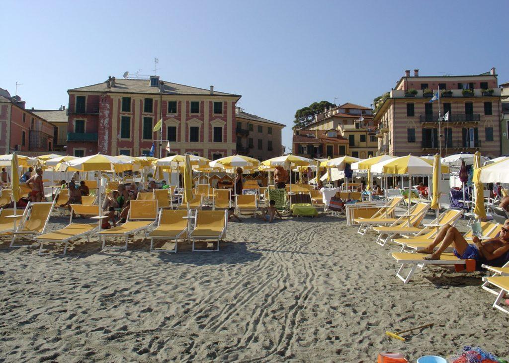 Strand Celle Ligure